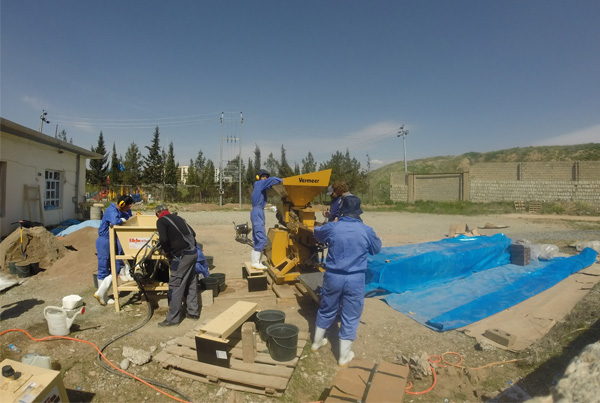 Creating earth block buildings in Sulaymaniyah, Iraq Picture